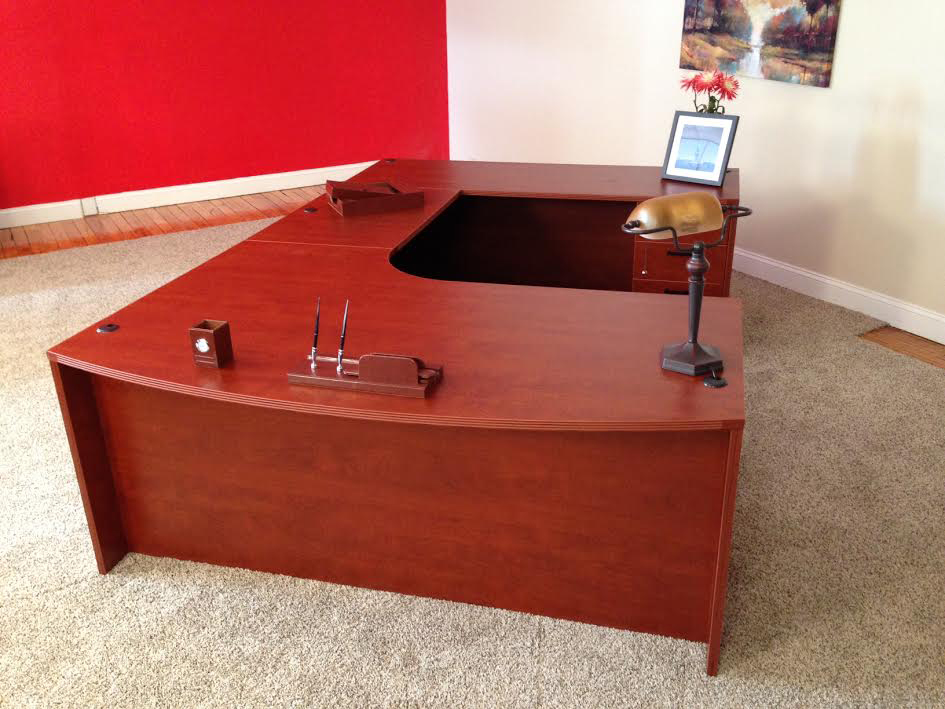 Bowfront U-shaped Desk #1 Bullet Front U-Shaped Office Desks