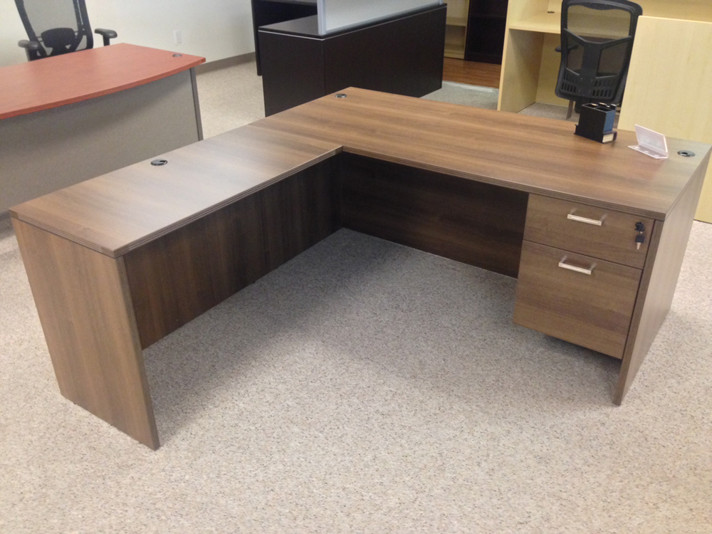 Rectangular L-desk #1 Rectangular Front L-Shaped Office Desks